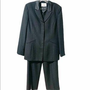Le Suit Black Classic Pant Suit Size 10 Ladies